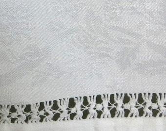 5 White Damask Linen Napkins 23 by 23 Inches Drawnwork Hems Ribbon & Bow Design 78b
