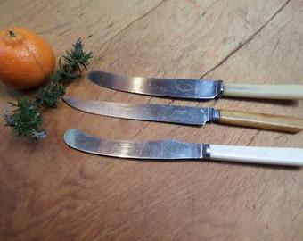 3 Vintage Knives // Bakelite Handles