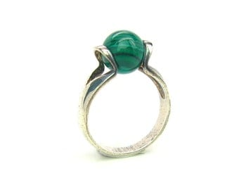 Space Age Modernist Ring. Imitation Malachite, 925 Sterling Silver. Size 8.5 Vintage 1980s Jewelry