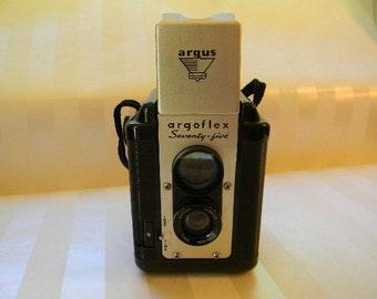 Vintage ARGUS ARGOFLEX Seventy-Five Camera with Case