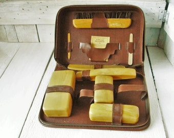 Vintage travel case mens toiletry set faux Bakelite faux leather 1940s