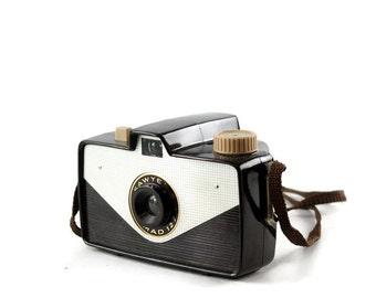 Vintage Camera, Sawyer's Nomad 127, Brown Bakelite Camera, Mid Century, Photo Prop, 127 Film, Photography Decor