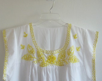 Vintage Embroidered Dress / Peasant House Dress / Hippie Dress / Boho Dress / Nicaragua Dress