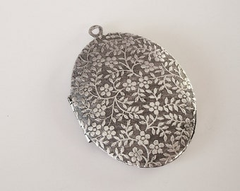 Large Oval Victorian Photo Locket Forget Me Not Ox Silver Brass  Pendant.