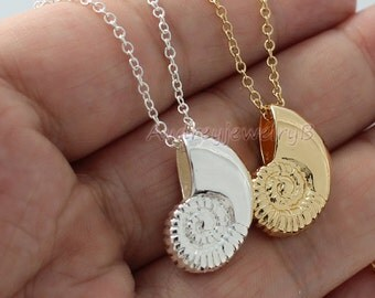 High quality 3D Conch necklace Conch shell necklace, conch shell charm, sea shell necklace,