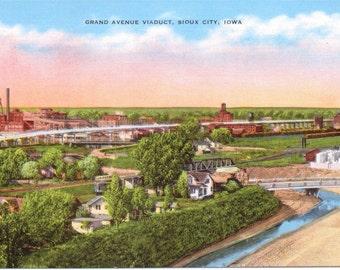 Grand Avenue Viaduct, Sioux City, Iowa - Linen Postcard - Unused (GG)
