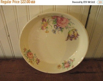 Valentine SALE Vintage Paden City Pottery Oven Proof Pie Dish Cream and Floral
