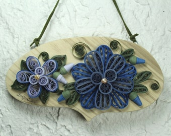Wall hanging/pine wall hanging bubble/quilled blue flowers/quilled frame/housewarming gitf