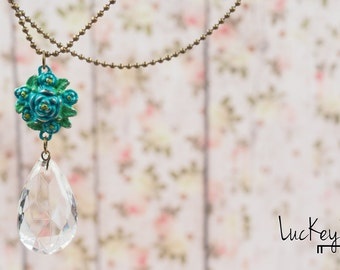 Vintage Crystal Necklace, Crystal Necklace, Chandelier Crystal, Upcycled Jewelry, Upcycled Necklace, Flower Necklace, Sparkle Necklace