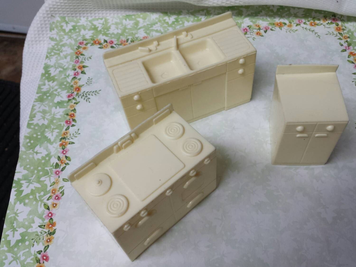 Marx Marxie Mansion Kitchen Pieces Toy Dollhouse