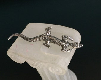 Sterling lizard brooch gecko sterling silver vintage wall climbing on your lapel