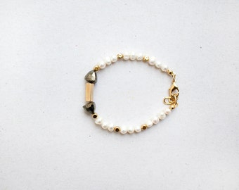 Minimalist White Pearls, hematite and golden beads bracelet, Delicate Necklace, bridesmaid gift bracelet by pardes
