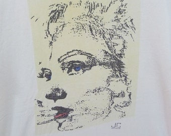 Vintage 80s Pointillism Art, Woman's Face, Off White Tshirt