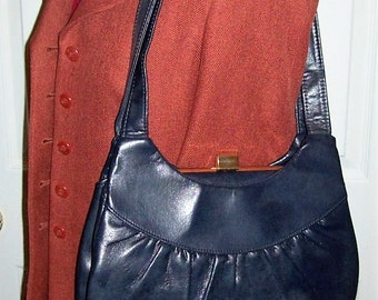 Vintage 1960s Ladies Navy Blue Leather Shoulder Bag w/ Brass Flip Lock Top Only 6 USD
