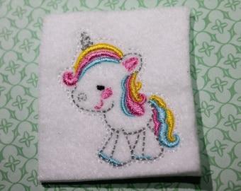 Cute unicorn feltie, Full body unicorn felt stitchie, embroidery, White w/ rainbow mane unicorn for clippies, hair acessories, scrapbooking