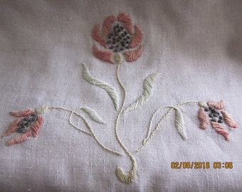 Arts and Crafts Embroidery Linen Runner