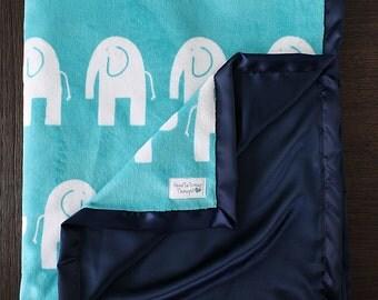Baby Boy, Minky Baby Blanket, Adult blanket, Elephant Blanket, Teal Elephant, Elefante, silky blanket, Baby Boy, baby gift, baby minky