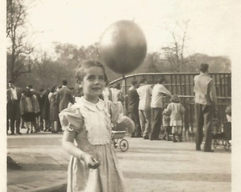 """Vintage Photo """"Red Balloon"""" Snapshot of a Little Girl at the Zoo - Found Vernacular Photograph"""
