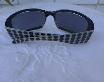 Foster Grant Sunglasses Polka Dot black and white 70s Hollywood Glam