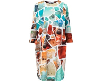 Loose fit dress in volcanic stones print made of organic cotton.