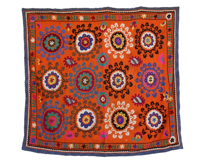 Handmade Vintage Suzani NL3031