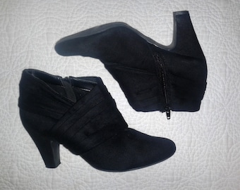 Black Pleated Booties- size 7.5