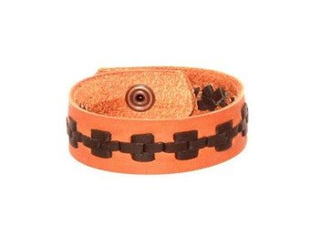 Braided leather bracelet with snap or tie