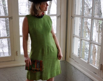 Apple Green Mid Century Modern Sheath Dress/Vintage 1960s/Nubby Silk Dress/Sleeveless Day Dress/Alison Ayres/Clean Lines/Size Medium Large