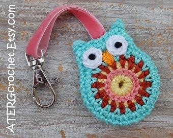 OWL keychain 'aqua' by ATERGcrochet