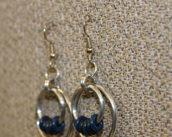 Black and blue ring and aluminum earrings