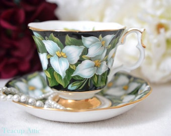 Royal Albert Black Trillium Flower Provincial Flower Series Teacup and Saucer Set, English Bone China Tea Cup Set, ca.1960-1970