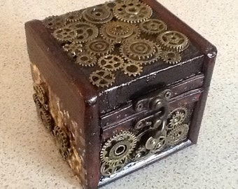 Steampunk Gear Ratio Box with BONUS Ornate Key Prop/Pendant