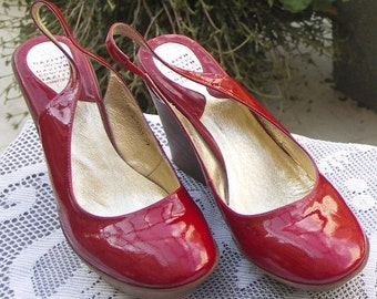 25% OFF SALE Gazith vintage red patent leather slingback wedge shoe