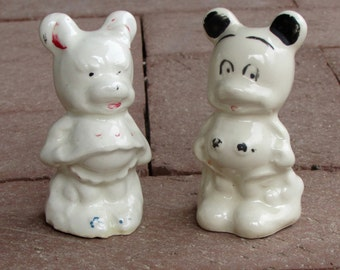 Vintage Disney Mickey and Minnie Mouse Salt & Pepper Shakers 1940s Leeds Porcelain