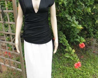 60% OFF Vintage Miss O by Oscar de la Renta Black n White Ruched Plunging Neck  Formal Maxi Dress, size 6