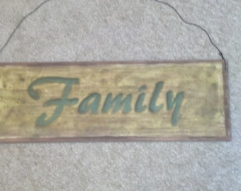 Wood sign Family hp