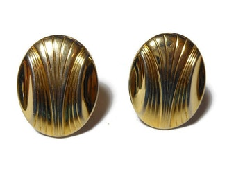 Gold disc clip earrings, Art Deco style, etched design, lightweight oval disc