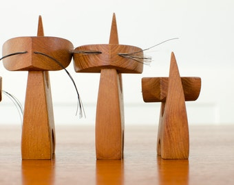 Vintage Danish Mid Century Mod Wooden Teak Cats w/ Whiskers - Set of 5
