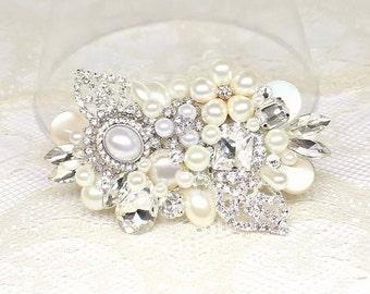 Rhinestone and Pearl Comb- Pearl Hairpiece- Bridal Hair Accessories- Pearl Hair Comb- Wedding Hair Accessories- Rhinestone Hairpiece