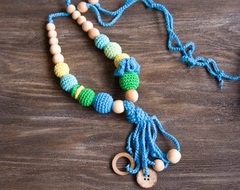 Fun Tassel Nursing Necklace - Teething Necklace with a coconut ring and button - Baby Carrier