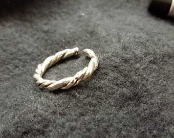 Twisted Ring Size ~7