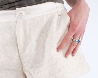 WINTER SALES Wool white shorts D&G // 90s // S/M size