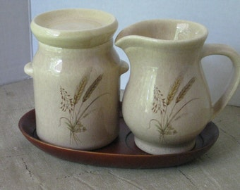 Vintage Hyalyn Pottery Sugar and Creamer Set with Tray. Hyalyn #906 and #907, Hickory North Carolina