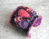 Cuff bracelet - Leather cuff - Bead embroidery - Purple leather bracelet - Bohemian jewelry - Boho style - Gypsy jewelry