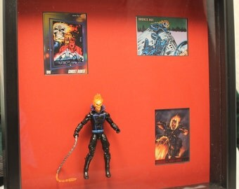Marvel Shadow Box – Ghost Rider – Collectible Action Figure and Trading Cards