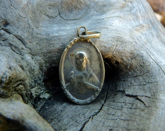 "Vintage JESUS MEDAL, Silver Toned Oval Medal, Madonna on the Back, Long 2.2cm or 0.8 "" x Wide 1.5cm or 0.6 ""."