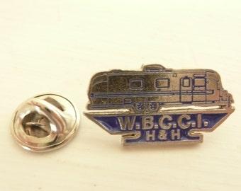 NICE AIRSTREAM Pin, Vintage Wally Byam Caravan Club International WBCCI Travel Trailer Lapel Hat Tie Tack Pin