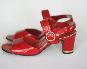 vintage red patent leather shoes 1960s