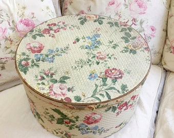 Large VINTAGE WALLPAPER HAT Box - Roses Hat Box - Floral Hat Box - Pink Roses - Flowers - Quilted Hat Box