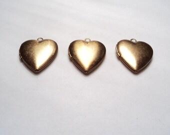 3 pcs - 20mm  Brass Heart lockets - m227 -
